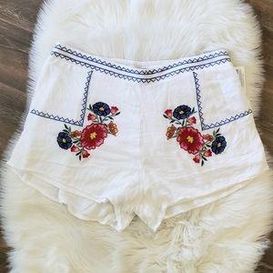B2G1 NWT Derek Heart White Embroidered Shorts